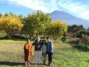 富士山と-300x225